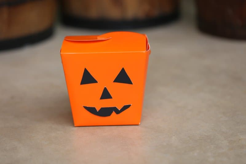 DIY Jack-o-lantern Halloween Treat Box