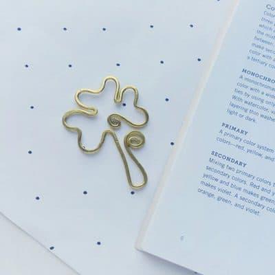 DIY Wire Shamrock Bookmark – St. Patrick's Day Craft
