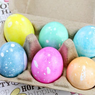 Easy Oil and Water Dyed Easter Eggs