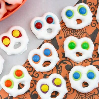 Fun and Easy Screaming Ghost Pretzels: Halloween Party Ready!