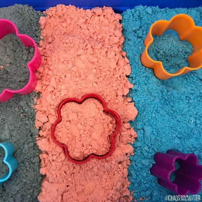 How to Colour Moon Dough