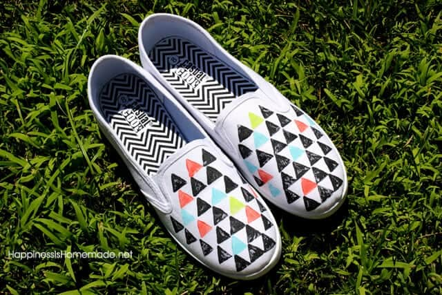 80's Inspired Geometric Stamped Shoes Tutorial