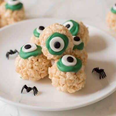 Halloween Dessert – Rice Krispie Eyeballs