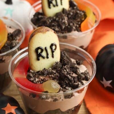 No-Bake Graveyard Dirt Cake Cups